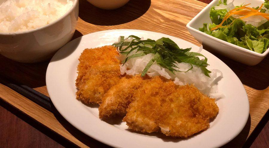 【今週の週替わりランチ:総州古白鶏のチキンカツ~和風おろし~(900円)】