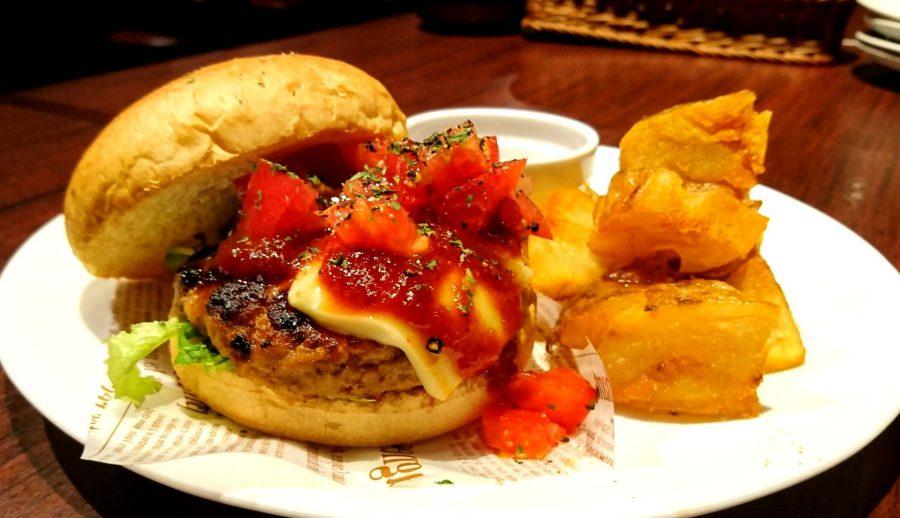【今週の週替わりランチ:Kamiichi特製ハンバーガー(990円)】