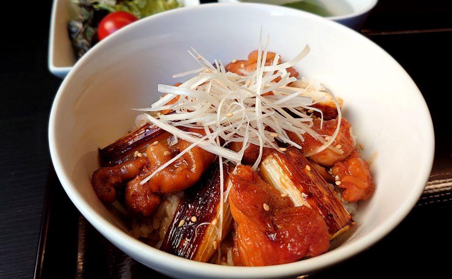 【BeefGarden恵比寿の今週の週替わりランチ:美桜鶏の焼き鳥丼(990円)】