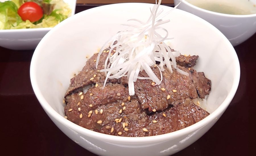 【BeefGarden恵比寿の今週の週替わりランチ:特製塩だれ上ハラミ丼(990円)】