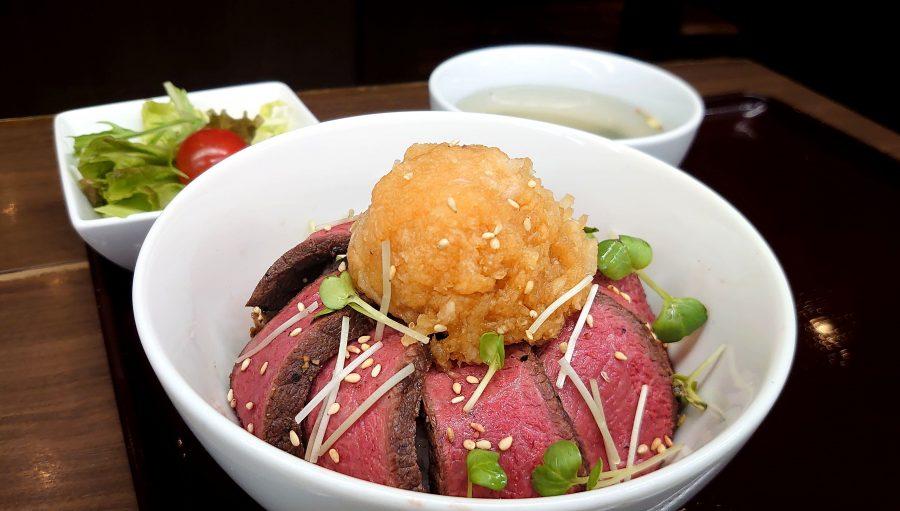 【BeefGarden恵比寿の今週の週替わりランチ:黒毛和牛さっぱりおろしポン酢のローストビーフ丼(1,290円)】