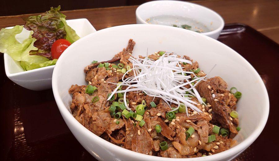 【BeefGarden恵比寿の今週の週替わりランチ:黒毛和牛トロトロ牛丼ランチ(990円)】