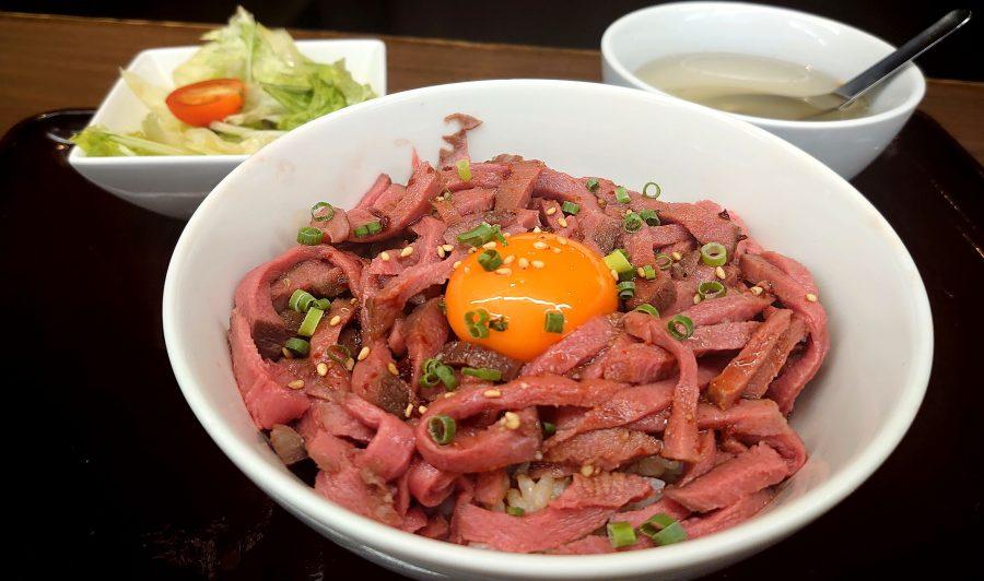 【BeefGarden恵比寿の今週の週替わりランチ:低温調理の牛タンユッケ丼(1,290円)】